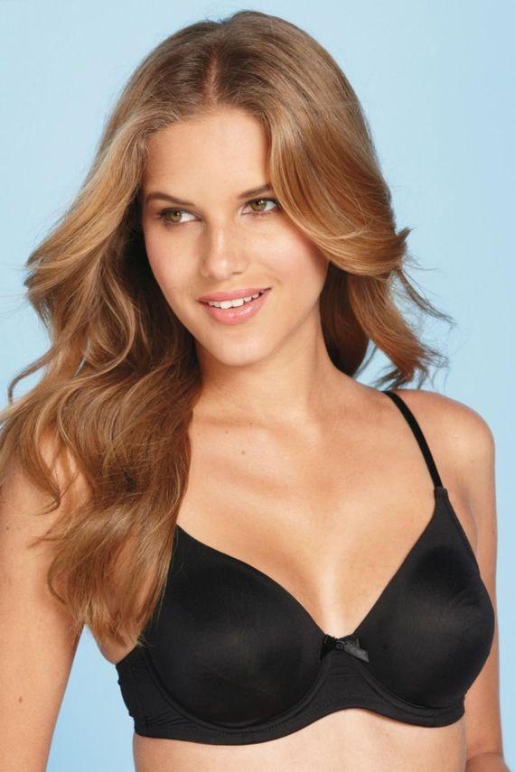 Gorgeous Brazilian Model Janini Milet