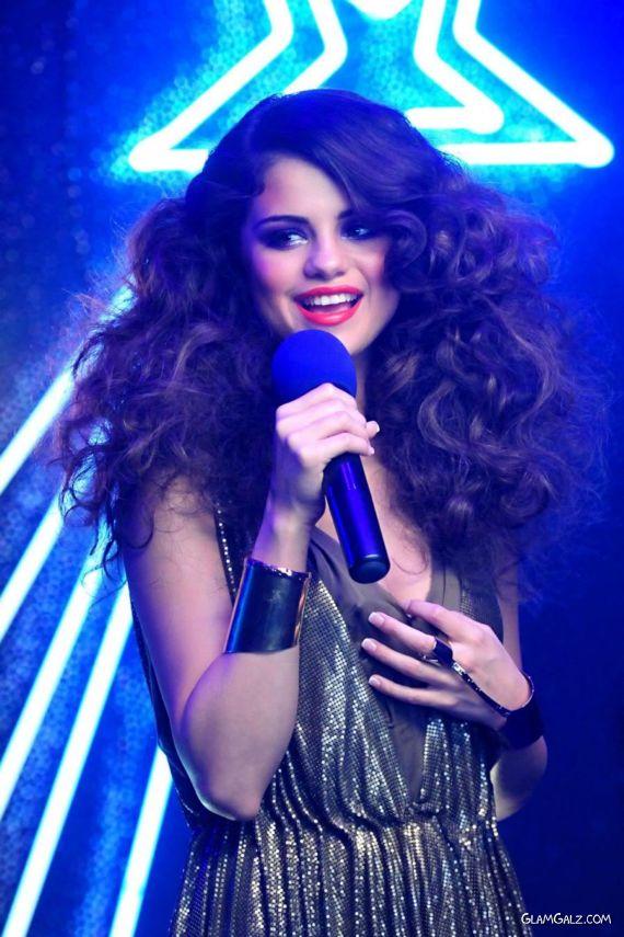 Selena Gomez On I Love You Music Video Sets